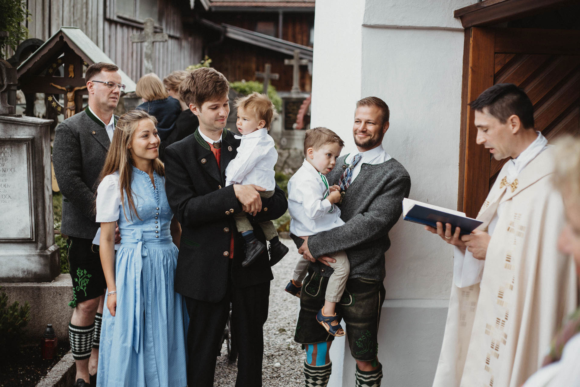 Bergherzen Hochzeitsfotografie Suppan Fotografie Wedding Garmisch-Partenkirchen Farchant Kirche Taufe Alpen