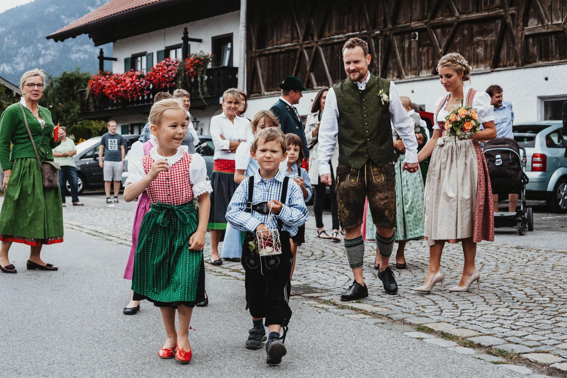 Bergherzen Hochzeitsfotografie Suppan Fotografie Wedding Garmisch-Partenkirchen Farchant Kirche Trauung Taufe Alpen